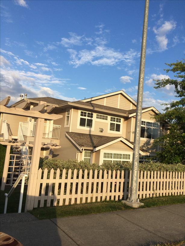 Available for rent condo- 2 bed +den, 2 bath, 2 parking spots