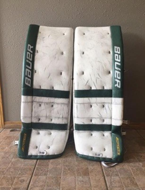 Bauer TotalOne Pads and Gloves 34+1 NCAA returns