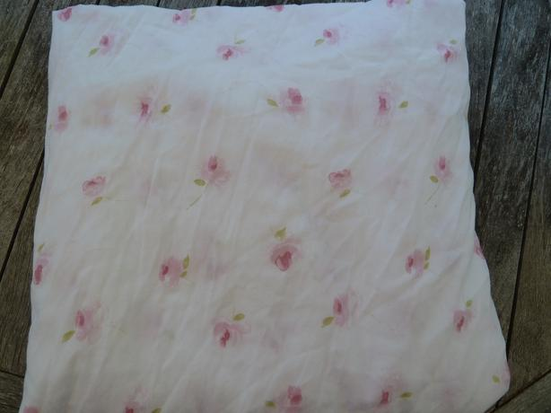 flat bed sheet Queen size white with pink roses
