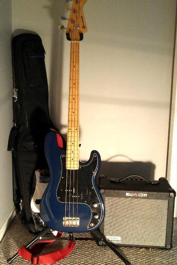 Barracuda Bass, Amp & All Accessories