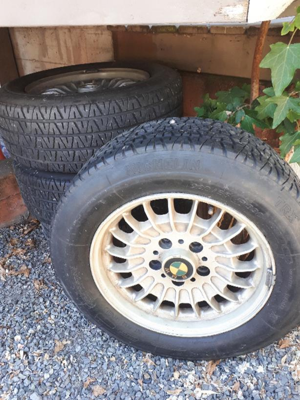 Set of 4 BMW Wheels V R rated tires 220/55/390