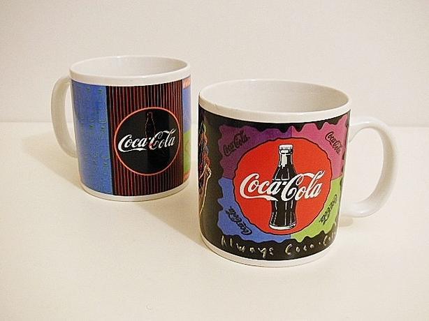 1995 Coca-Cola Collector's Ceramic Mug Set