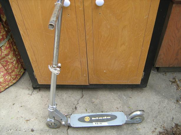 BLADE SCOOTER