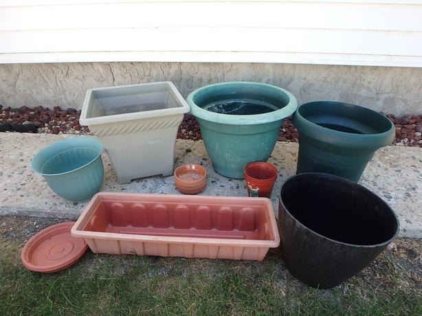 Lot of Flower containers
