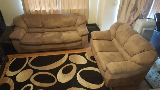 Couch and love seat set in very good condition