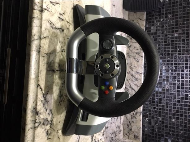 Xbox 360 Wireless Racing Wheel with force feedback