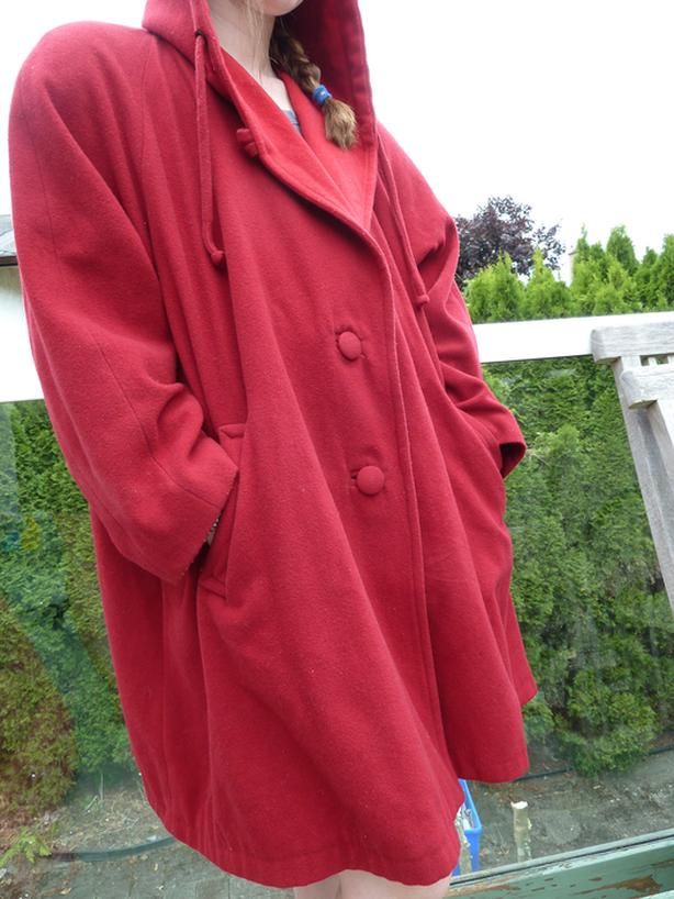 Swingy red wool coat Womens Large