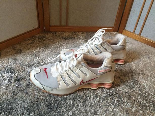 Nike Shock Shoes For Woman , Size 8.5