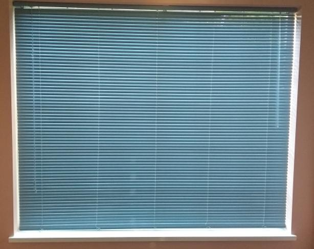 Window Blinds for Sale 4 Sizes / Venetian