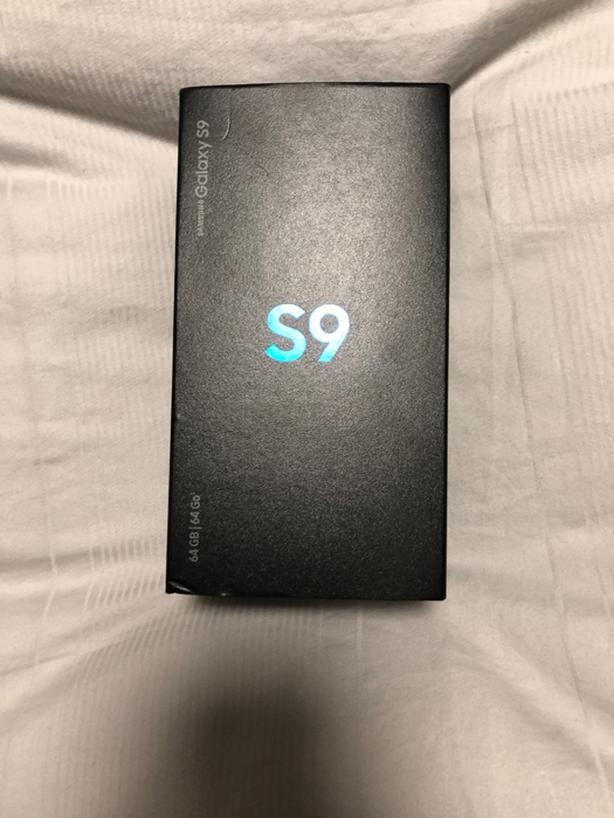 BRAND NEW IN BOX Samsung Galaxy S9 64 GB