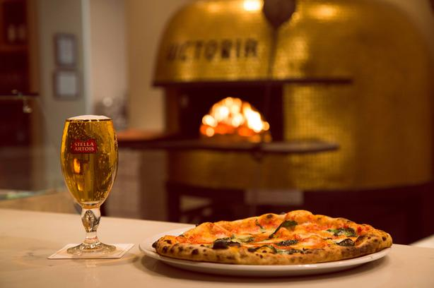 Professional Pizzaiolo / Pizza Cooks.