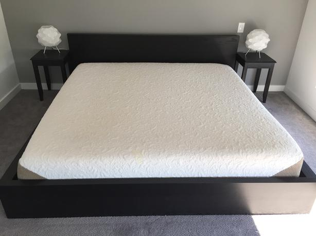 best website 1fd16 3bd76 King IKEA Bed Frame and Serta Pillow Top Mattress Victoria ...