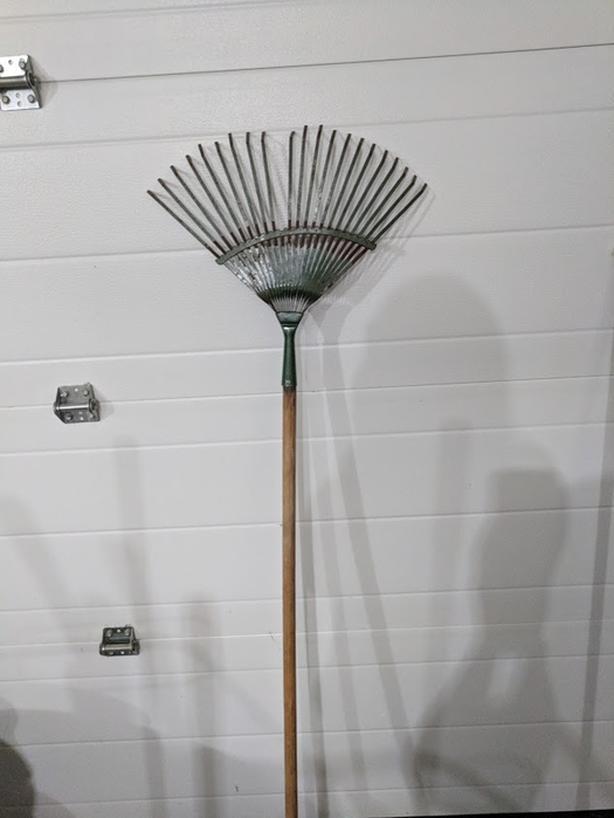 Lightweight rake