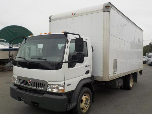 2010 International CF500 CityStar 18 Feet Cube Van Diesel Power Tailgate