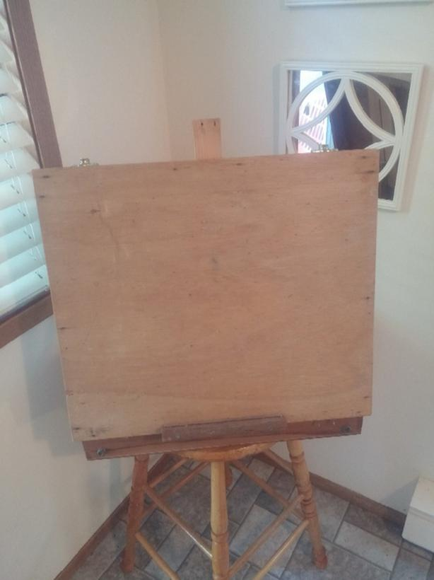 Wooden Suitcase that converts to an Art Easel
