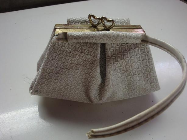 VINTAGE  CHILD WHITE PURSE 1950'S