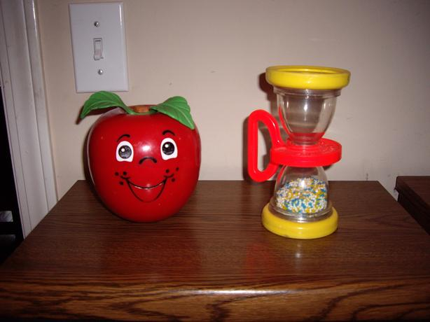 FISHER PRICE HAPPY APPLE OR FP HOURGLASS