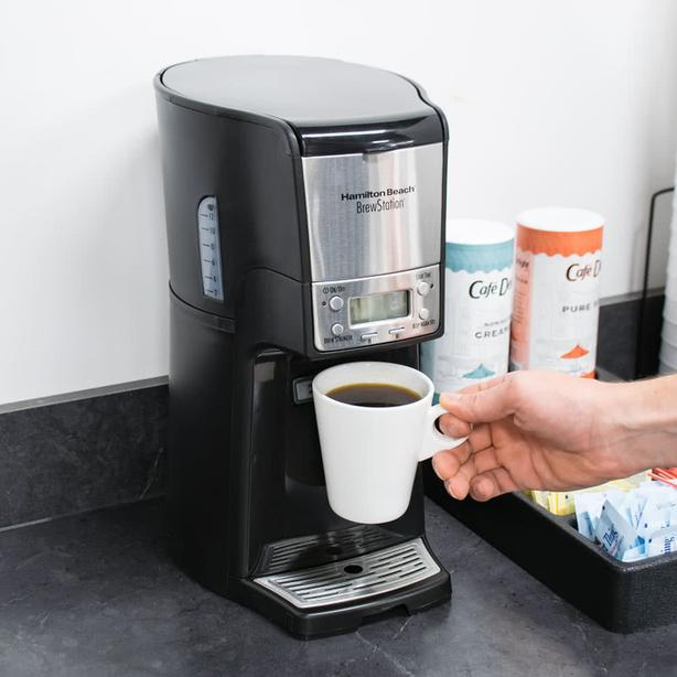 Coffee maker that doesn't need Carafe