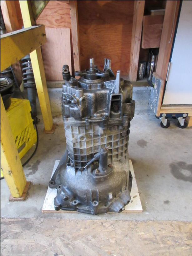 BMW/GETRAG 265 5 SPEED TRANSMISSION FROM AN 1984 528e $150