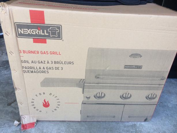 nexgrill 3 burner (new in box)