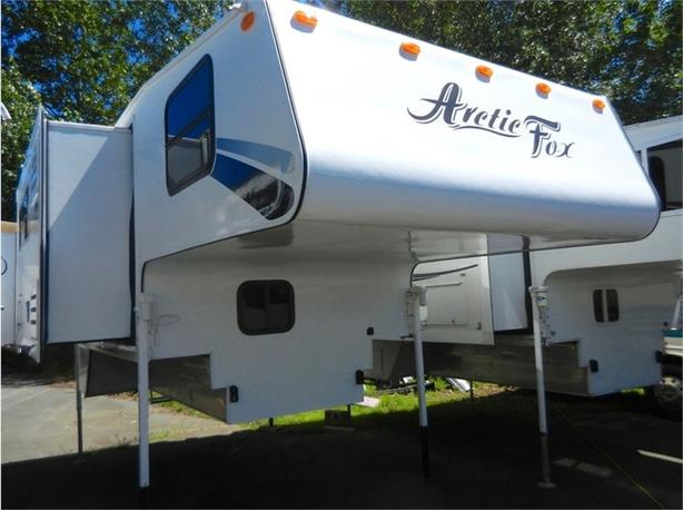 2005 Arctic Fox 990 Camper
