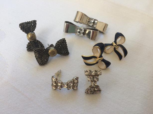 4 PAIR OF 'BOW' EARRINGS