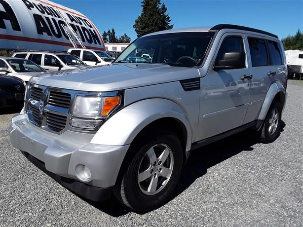 2009 Dodge Nitro SE, 6 Cyl 4X4 with only 140k km and loaded clean interior!
