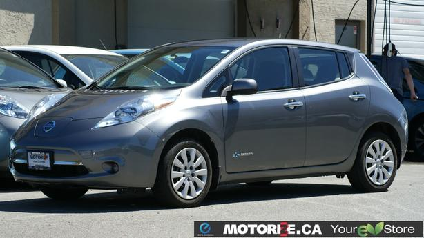 2015 Nissan LEAF S – Quick Charge Package – Backup Camera – 55,352Kms - M8690