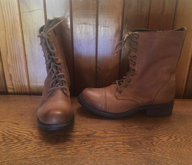 b2fd7c04485 Ladies Steve Madden Tropa 2-0 All Leather Boots Size 11M US Saanich ...