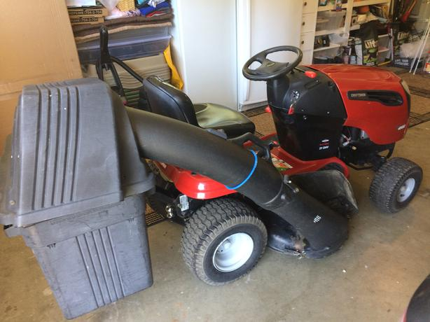 "CRAFTSMAN YS4500 42"" Automatic Riding Mower & Bagger"