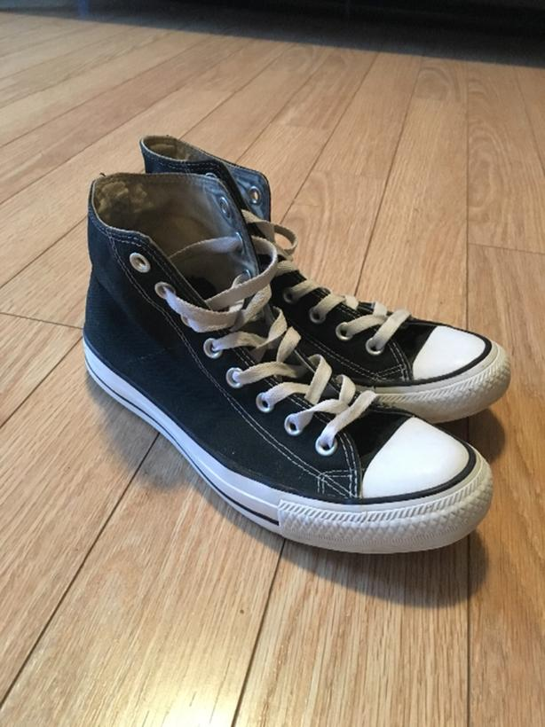 Size 9 Converse high tops