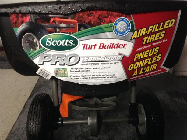 Scott's Spreader and Fertilizer