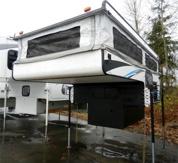 2016 Palomino Real-Lite Truck Campers Soft Side SS-1600