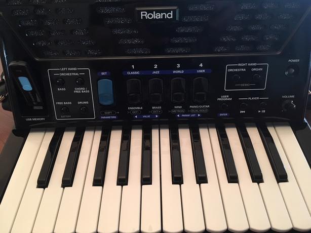 Roland Digital V Accordion FR 1X