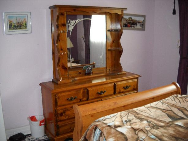 Solid Wood Dresser With Mirror Outside Ottawagatineau Area Ottawa