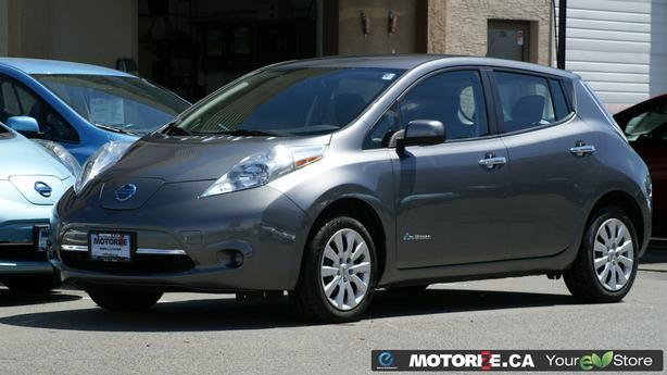 2015 Nissan LEAF S – Quick Charge Package – Backup Camera  – 34,442Kms – M8693