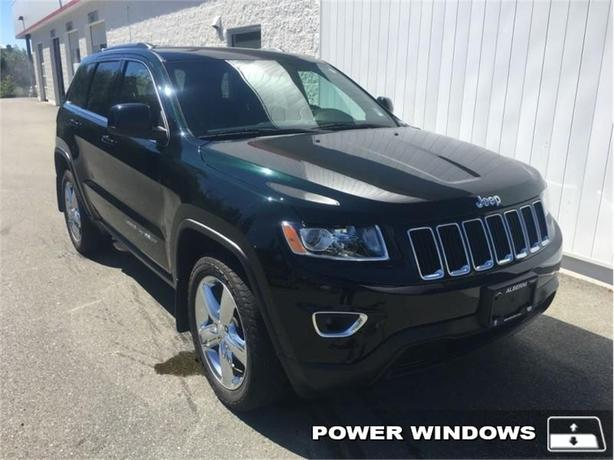 2014 Jeep Grand Cherokee Laredo  4x4 - Low Mileage