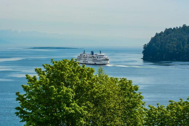 Resort Like Ocean View Condo in popular Departure Bay