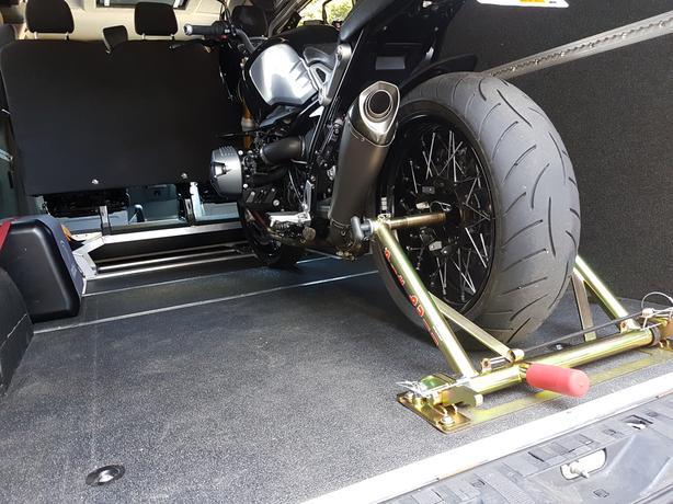 Pitbull Trailer restraint for BMW R9T