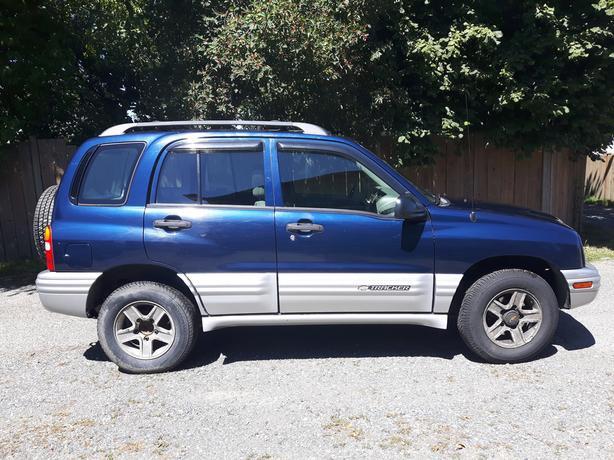 2002 Chevrolet 4 x 4 Tracker For Sale South Nanaimo, Nanaimo