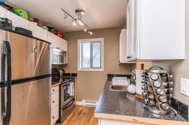 2 Bedroom Condo with Modern Updates in Central Nanaimo