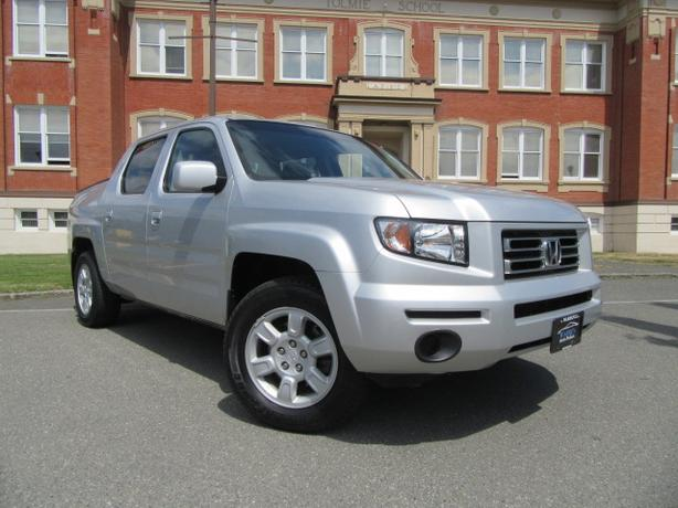 Lovely 2006 Honda Ridgeline EX L, Leather, Sunroof, New Timing Belt