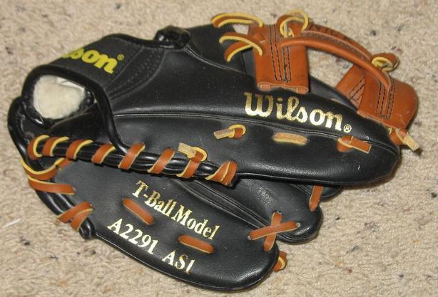 Wilson T-Ball Model Mini-Pro Ball Glove