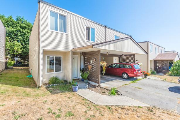 Nicely Maintained 3 Bedroom Townhome in Peartree Meadows!