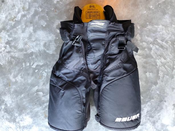 Bauer MX3 Hockey Pants West Shore: Langford,Colwood