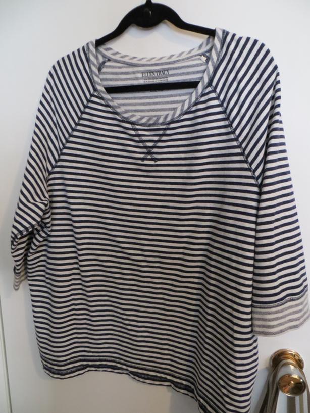 Striped Black & White Top - size XXL