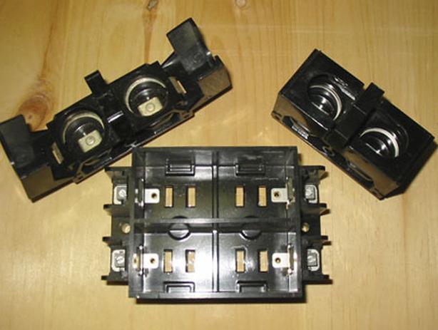 AEC 15/30 Amp Fuse Holders w/4 Circuit Fuse Block (Complete Set) ~ Rare!
