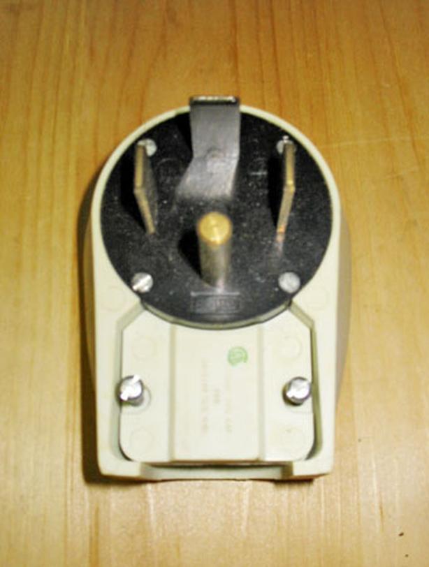 PASS & SEYMOUR 60 Amp, 125/250 Volt Straight Blade Angle Plug (3P/4W) ~ New!