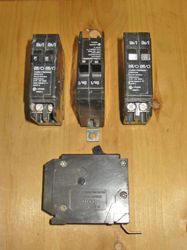 CUTLER-HAMMER DNBA 15 Amp Twin Circuit Breakers ~ Rare!