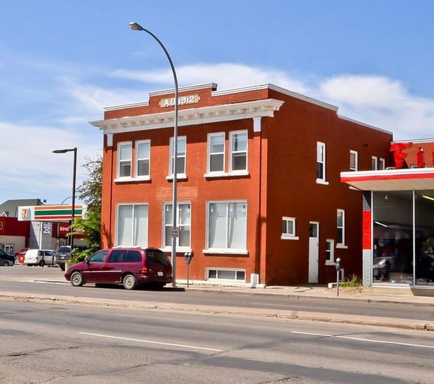 822 Main Street N - 24 Suite building for Sale in Moose Jaw!!